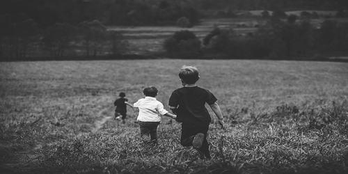 बचपन की यादें पर कविता